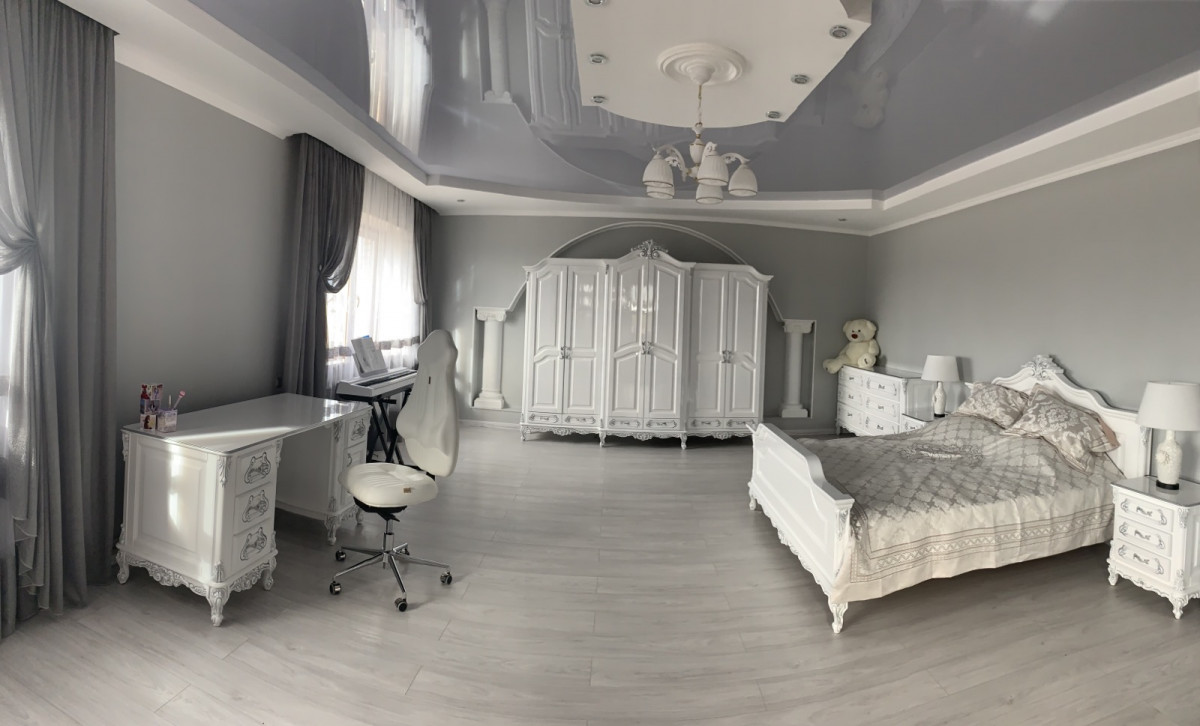 Статья для ценителей белых классических спален