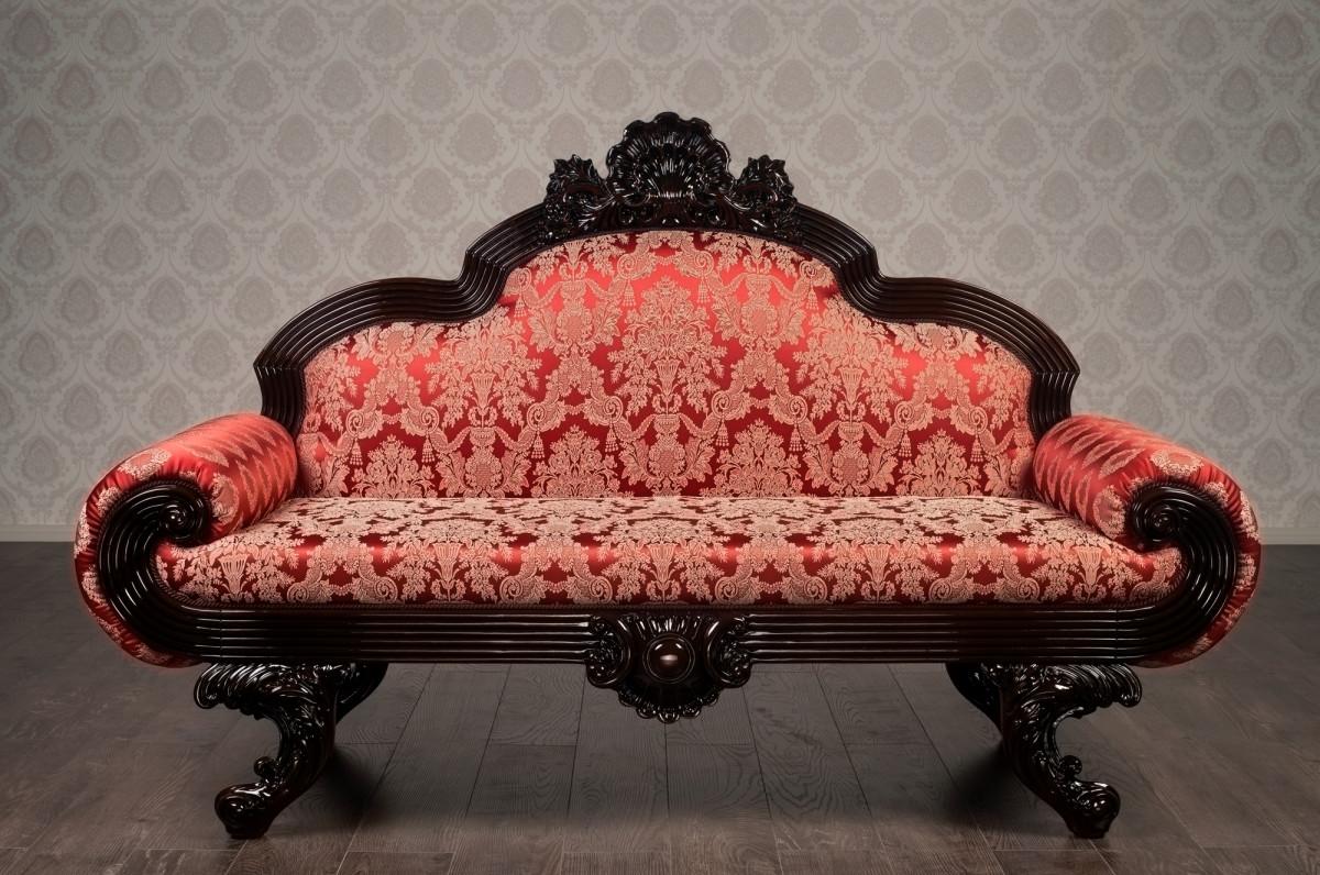 Різьблені дивани від виробника