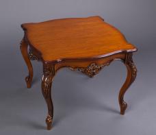 Журнальний столик у стилі барокко №1