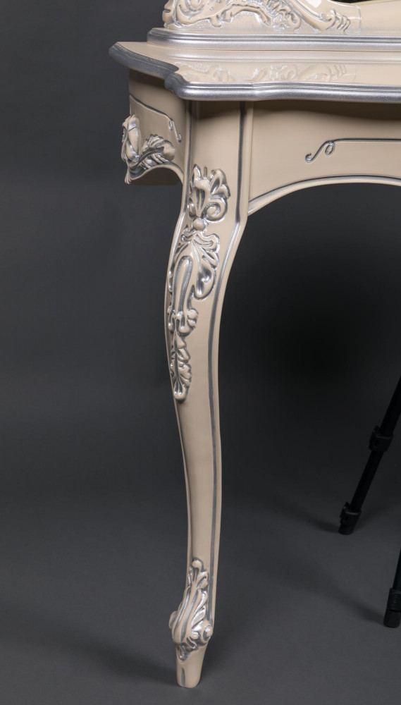 Консольный столик в стиле Барокко на заказ