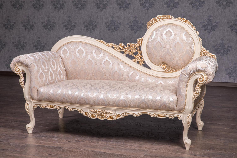 Різьблена софа в стилі Бароко