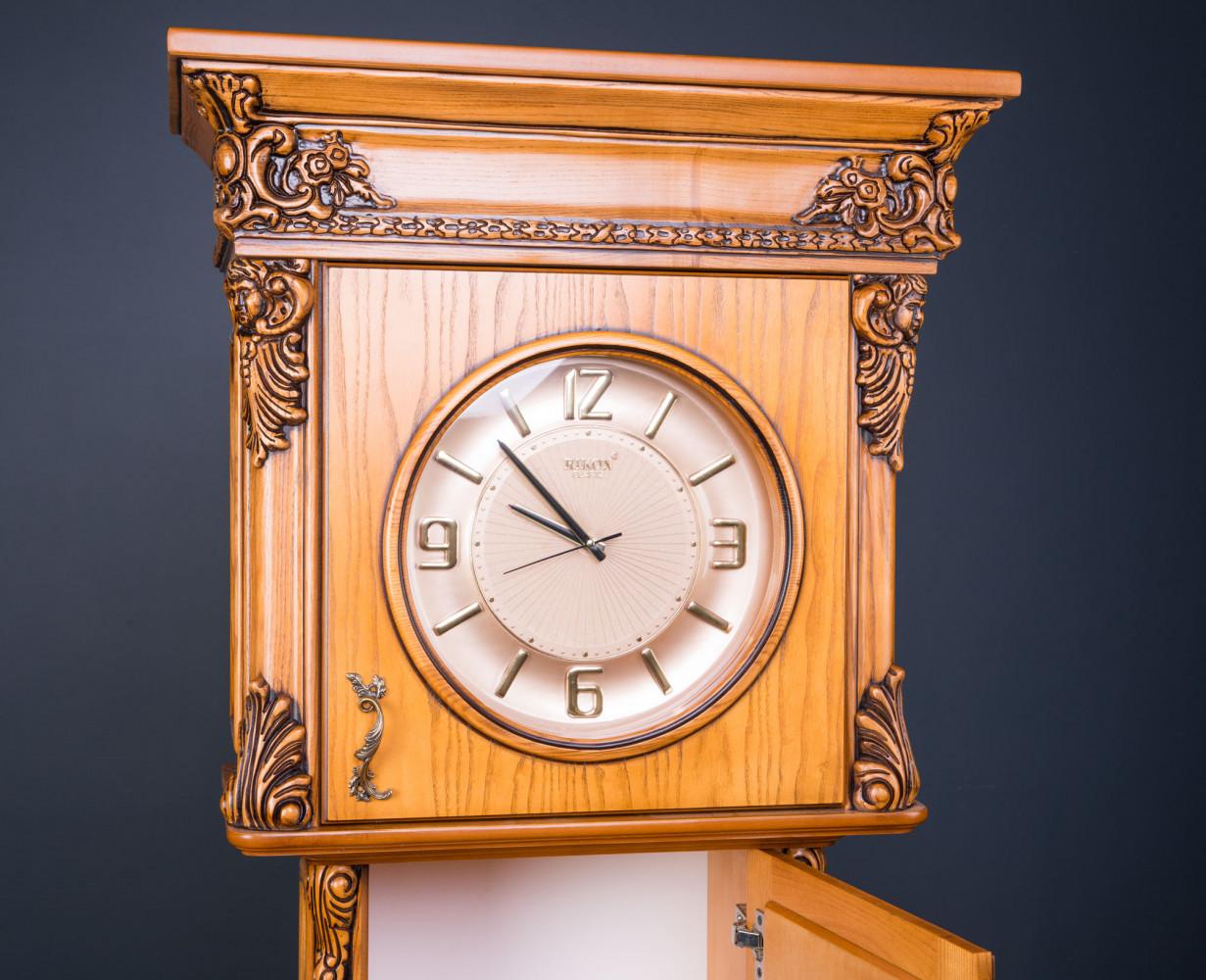 Напольные часы из дерева на заказ