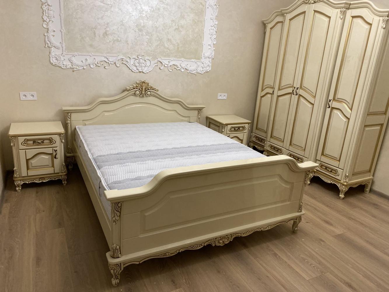 Класична спальня з ясена під замовлення