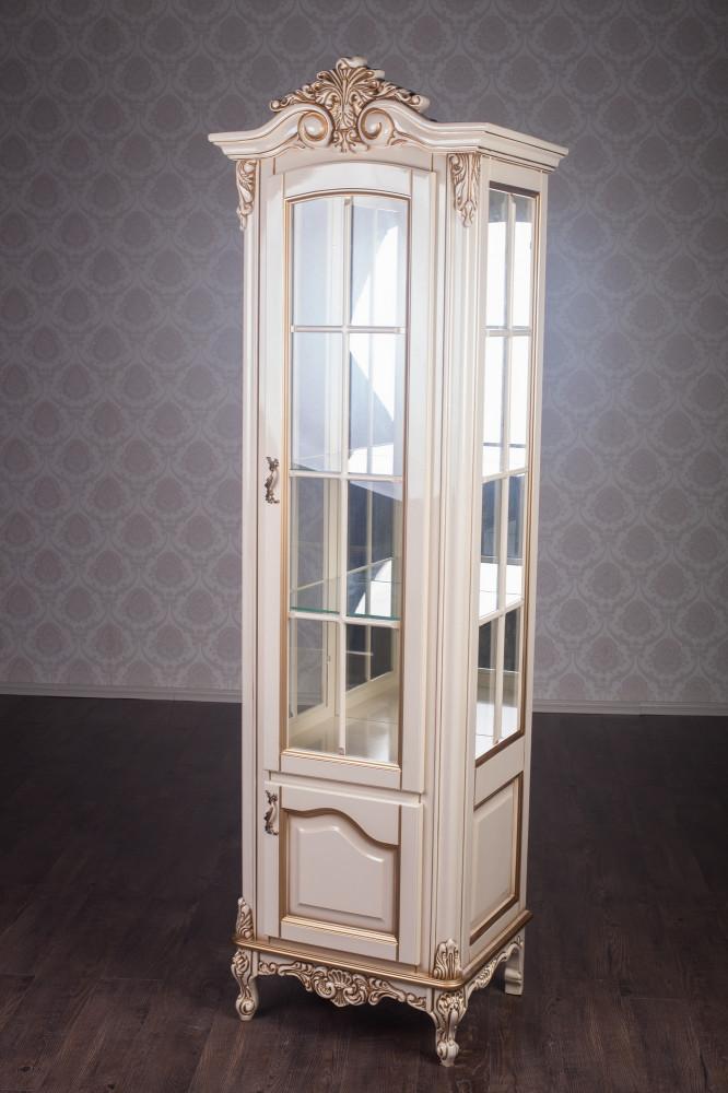 Классическая витрина в гостиную в наличии